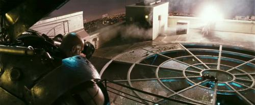 Jeff Bridges in the Iron Monger armor from the 2008 Iron Man movie