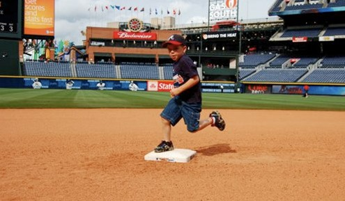 Carter Running the Bases at Turner Field