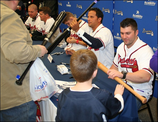 Dan Uggla was super cool to Carter.